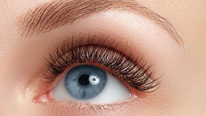 Options for Longer Lashes: Where Do Eyelash Extensions Rank?