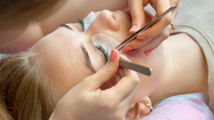 Learning from Experience: Lash Extensions Really Do Beat Falsies!